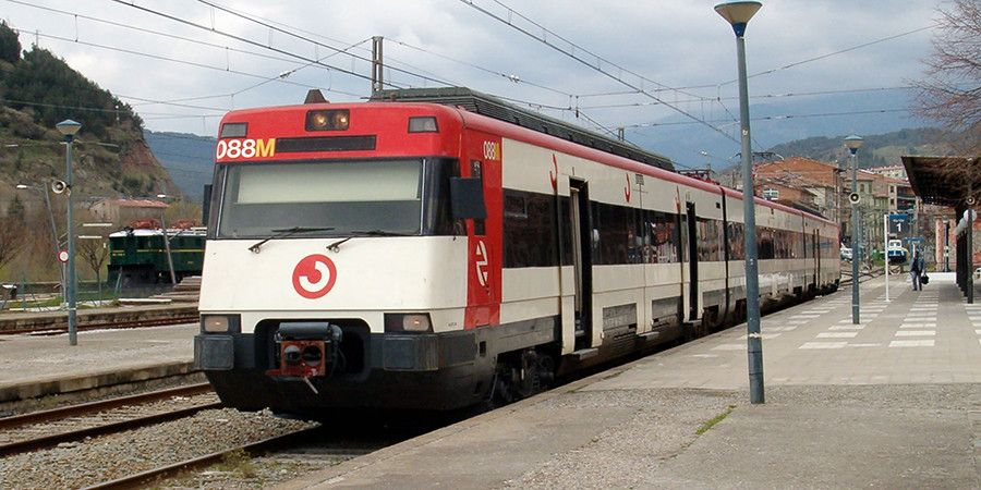 поезд из салоу в барселону одну или